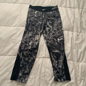 Nike cropped workout pants